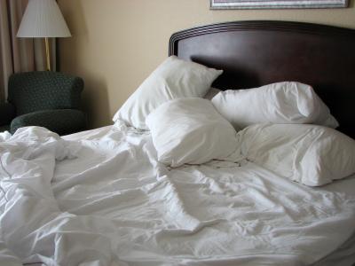 Czy niedobory snu wiążą się z zaburzeniami emocjonalnymi u nastolatków?