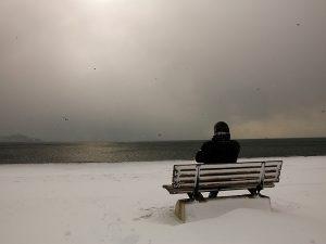 Czy leczenie światłem jest skuteczne u pacjentów z niesezonową depresją?